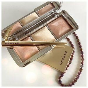 BNIB LE Hourglass Metallic Ambient Strobe Palette!